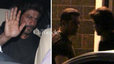 Shah Rukh Khan and several other celebrities were spotted at Salman Khan's residence late Monday for a bash. (Photo: Viral Bhayani)