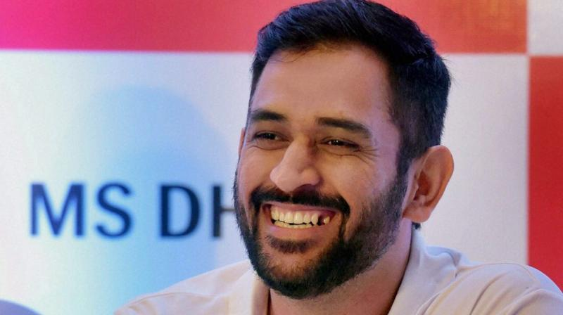 Mahendra Singh Dhoni resigns as India ODI, T20 Captain — Twitter Reactions