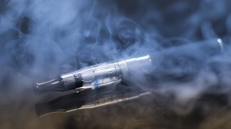 E-cigarettes make your heart's ageing clock tick 'faster'. (Photo: Pixabay)