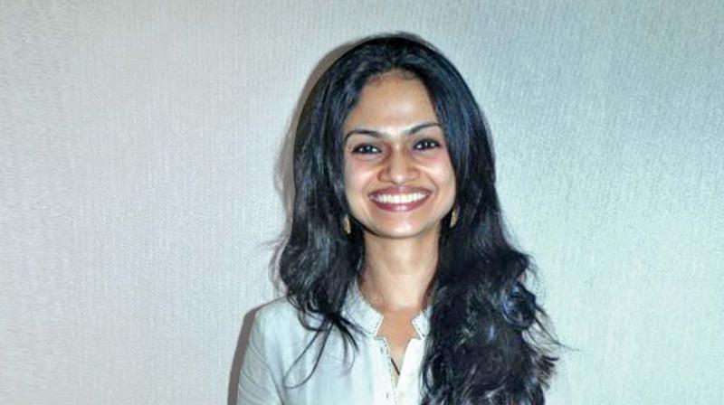 Suchitra Karthik Alleges That She Was Manhandled By Dhanush's Team?