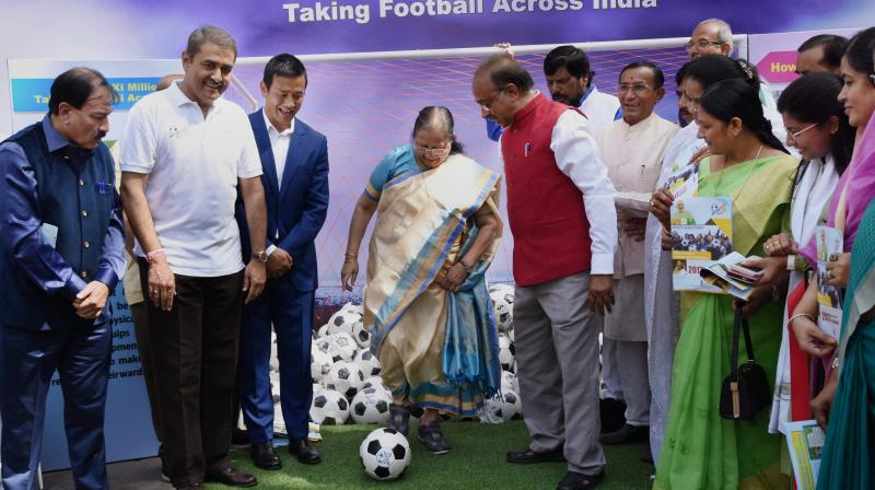 LS Speaker presents footballs to MPs for promoting sports culture in India