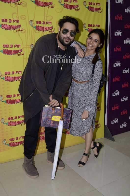 Singers Badshah and Shalmali Kholgade were seen at a radio station.