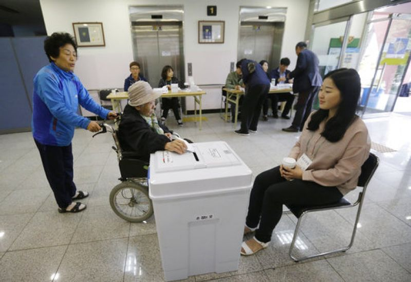 The campaign has focused largely on the economy, with North Korea less prominent, but after a decade of conservative rule a Moon victory could mean a sea change in Seoul's approach towards both Pyongyang and key ally Washington. (Photo: AP)