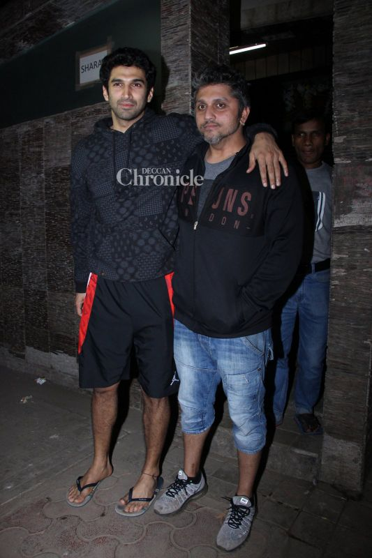 Aditya Roy Kapur was snapped with his 'Aashiqui 2' director Mohit Suri in Bandra.