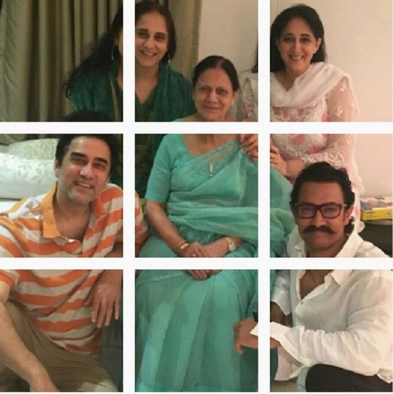 Aamir Khan and family. (Photo: Instagram)