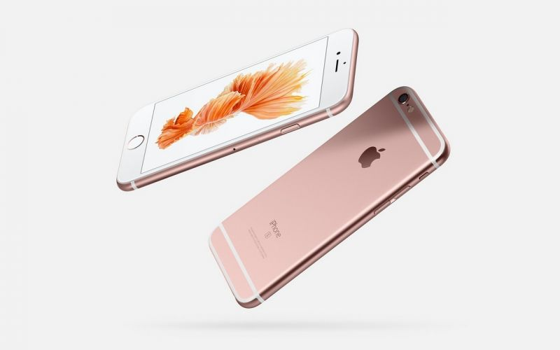 2015: iPhone 6S and iPhone 6S Plus were launched boasting pressure sensitive screen with 3D Touch gesture, Taptic Engine and Rose Gold colour.
