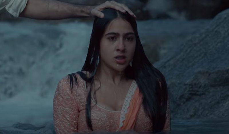 Sara Ali Khan in the still from Kedarnath trailer. (Courtesy: YouTube/ RSVP Movies)