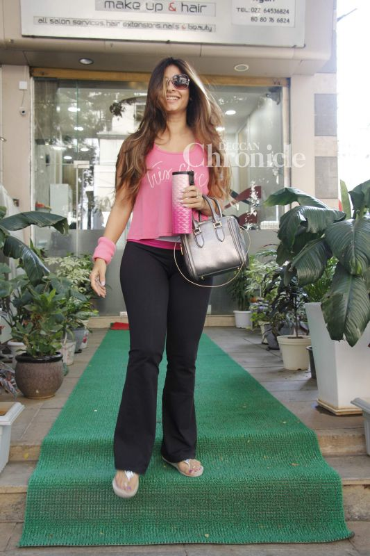 Tanishaa Mukerji was all smiles while exiting a salon.