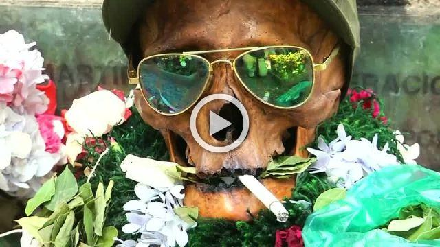 Bolivians bling up their dead for festival