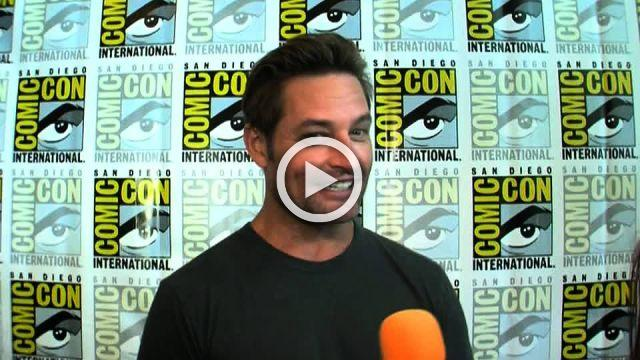 Josh Holloway hits the red carpet at Comic-Con