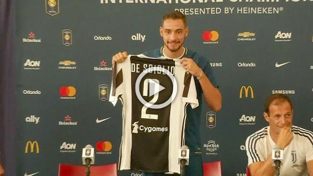 New Juventus signing Mattia De Sciglio joins team for Barcelona friendly