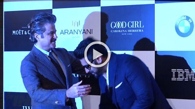Arjun Kapoor Laughs & Giggles With Uncle Anil Kapoor At Vouge Awards 2017!