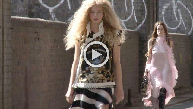 Marques Almeida Show- Women's collection Spring/Summer 2018 in London