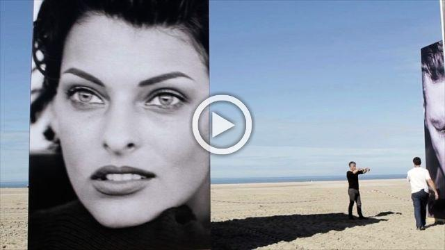 22 photographs by Peter Lindbergh exhibited on the Deauville beach in France